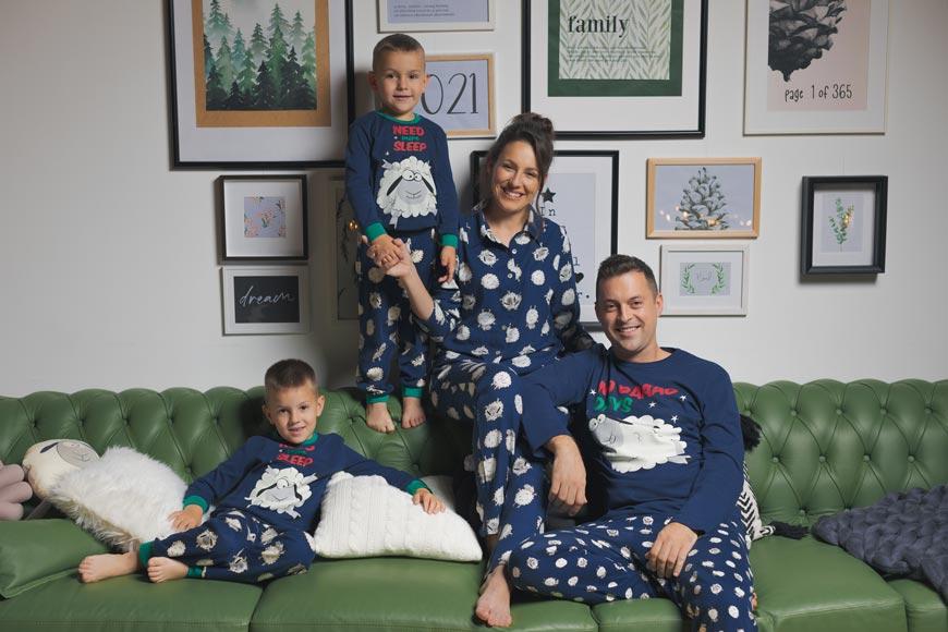 Novogodišnje pidžame - neizostavan detalj prazničnih slika
